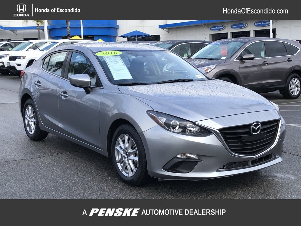 Pre-Owned 2016 Mazda3 4dr Sedan Manual i Sport